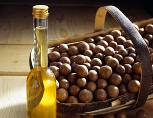 Macadamia-Oil-blog.jpg
