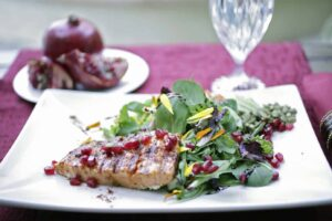 Salmon_Salad_with_pomegranate-1